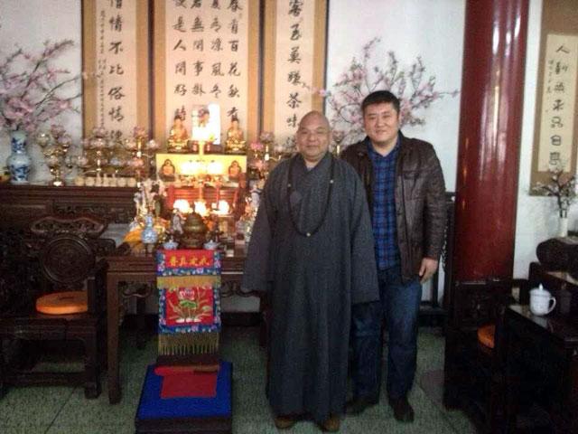 协会代表及雕刻大师胡一刀拜访定国禅寺